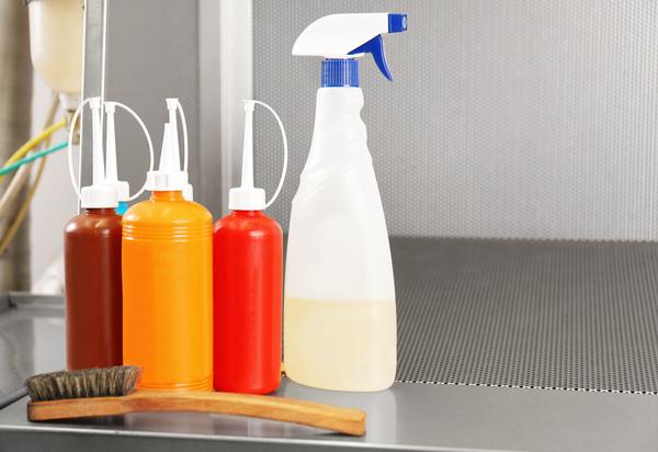 クリーニングに用いられる油とは?環境に優しい油を用いたドライクリーニングをご紹介